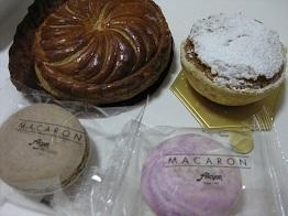 20110505ピティビエとミルリトンとマカロン.JPG